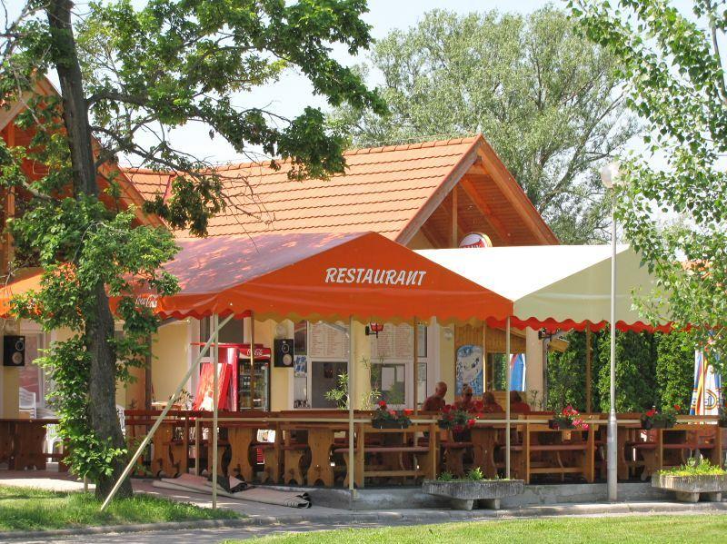 Terrasse restaurant naturiste