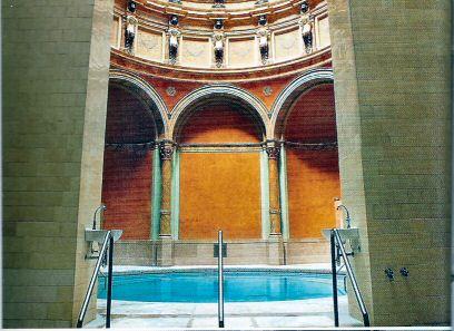 friedrischbad-bassin.jpg