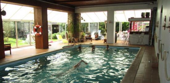 mas-cocoon-piscine.jpg